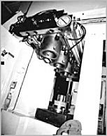 写真3 3次行程逐次鍛造用上シフト装置